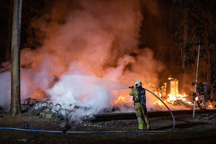Zaterdagochtend brandde het gebouw van scoutingvereniging Merhula helemaal uit.