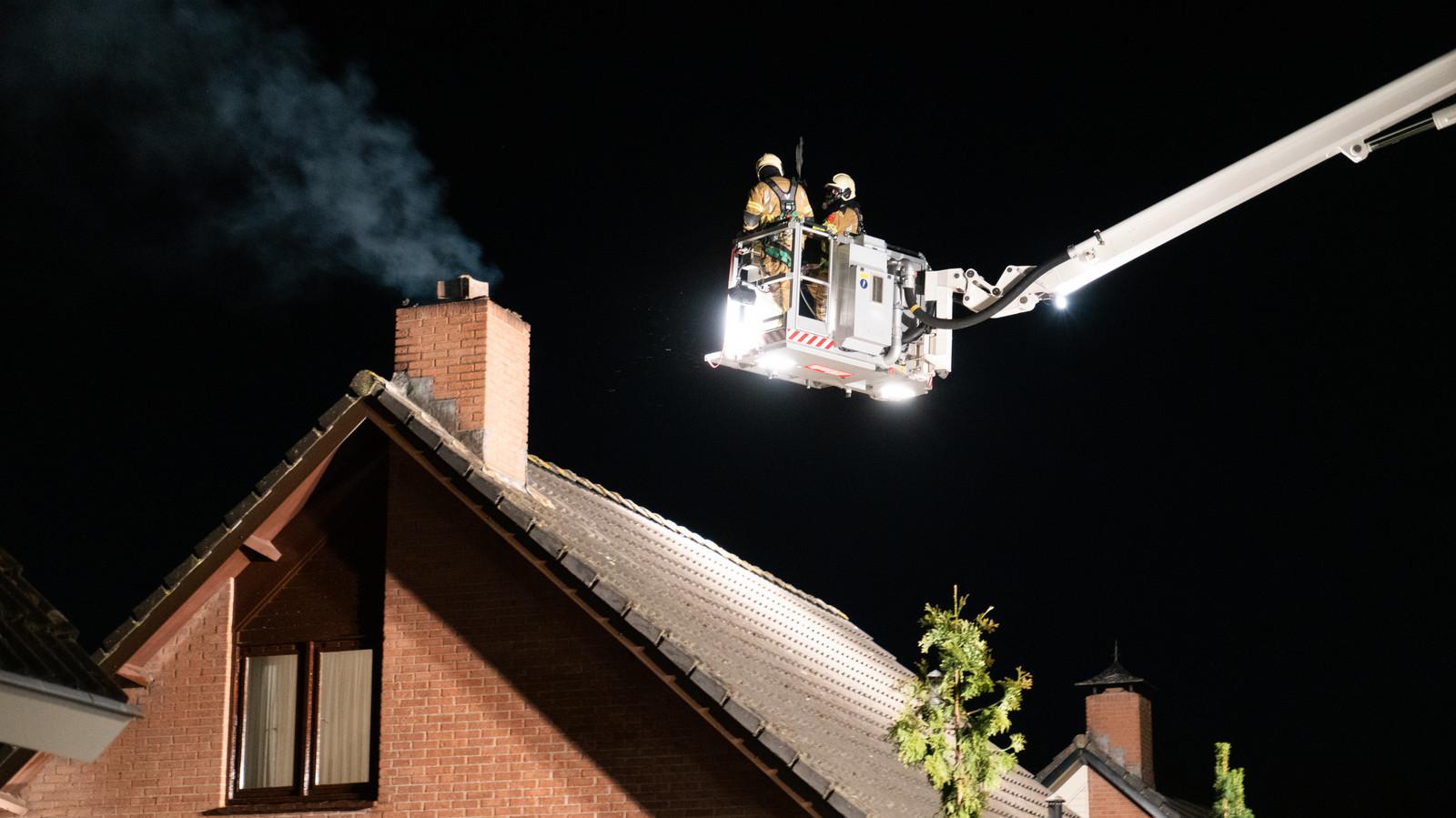In de woning bleek een schoorsteenbrand te zijn ontstaan.