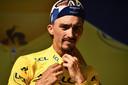 Julian Alaphilippe heroverde zaterdag het geel in de Tour de France.