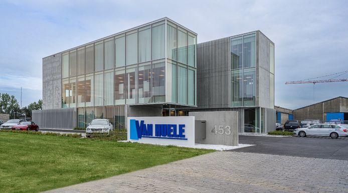 Het nieuwe kantoorgebouw van bouwfirma Van Huele.