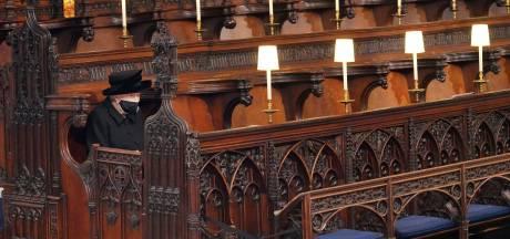 L'image déchirante de la Reine, assise seule face au cercueil du prince Philip