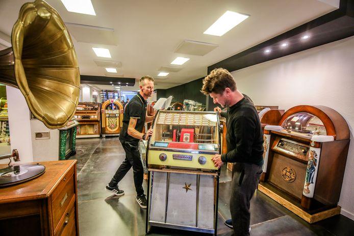 De jukeboxen zullen weldra opnieuw verplaatst moeten worden, nu het jukeboxmuseum definitief sluit.