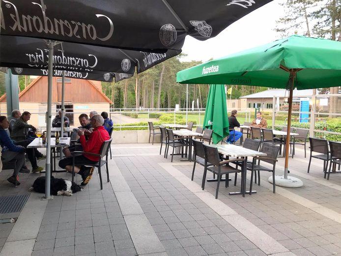 Taverne Kattevenia is gelegen aan de gelijknamige manege.