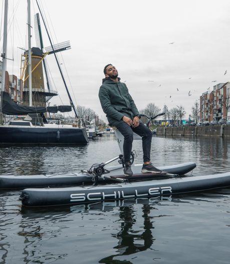 Deze waterfiets kun je binnenkort huren in Delfshaven: 'Hippe en sexy variant op de zwaan'