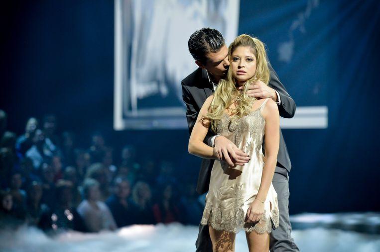 Roos en Laurens tijdens hun deelname aan 'Dansdate'.