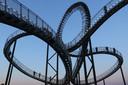 Tiger and Turtle in Duisburg. Deze 'achtbaan' van verzinkt staal staat op de steenberg van een voormalige hoogoven.