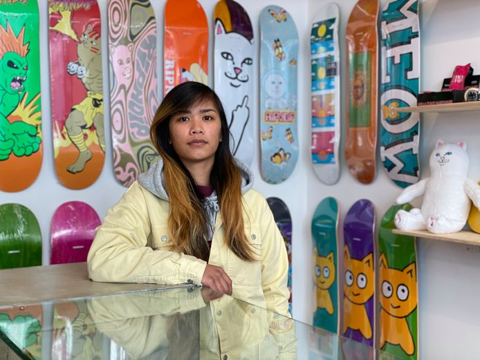 Orapan Tongkong, professioneel skateboarder en verkoper bij Smiles.
