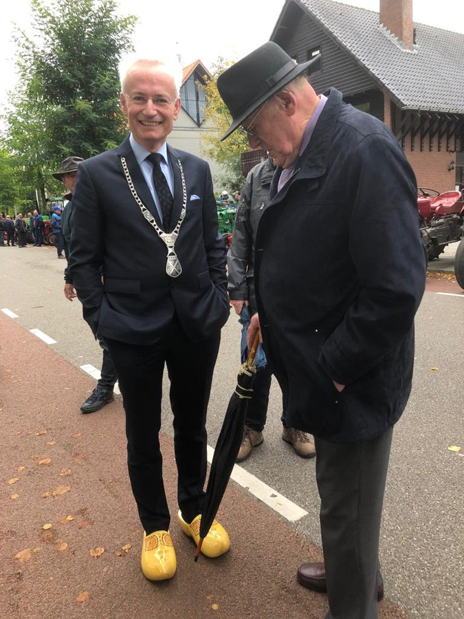 Burgemeester op klompen: statement of niet?