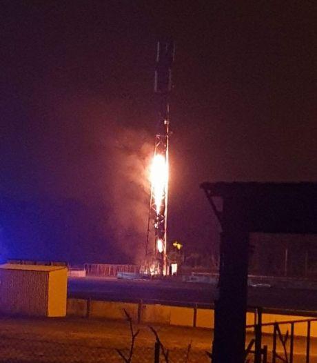 """Une antenne GSM incendiée: """"Irresponsable en plein confinement"""""""