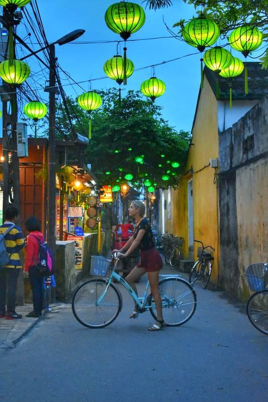 Kelly op reis in in Vietnam.