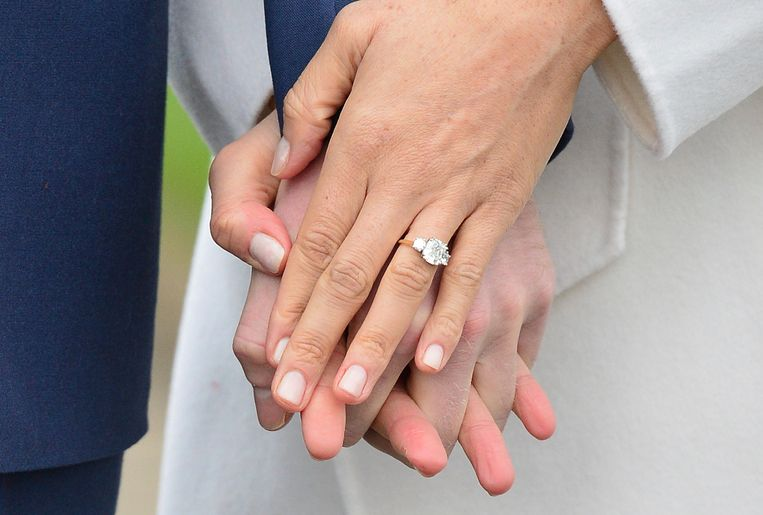 Verlovingsring Gemaakt Van Broche Prinses Diana Royalty