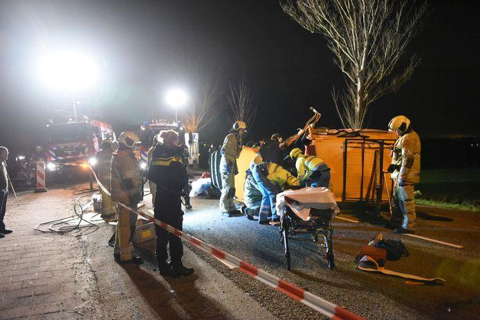 Een bestelbusje is gisteravond op de Koningin Wilhelminaweg in Groenekan van de weg geraakt. De bestuurder raakte gewond.