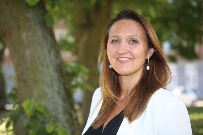 Burgemeester van Aarschot Gwendolyn Rutten liet zich dinsdag al horen. Ze riep via twitter op om de maatregelen te versnellen in heel Vlaanderen.