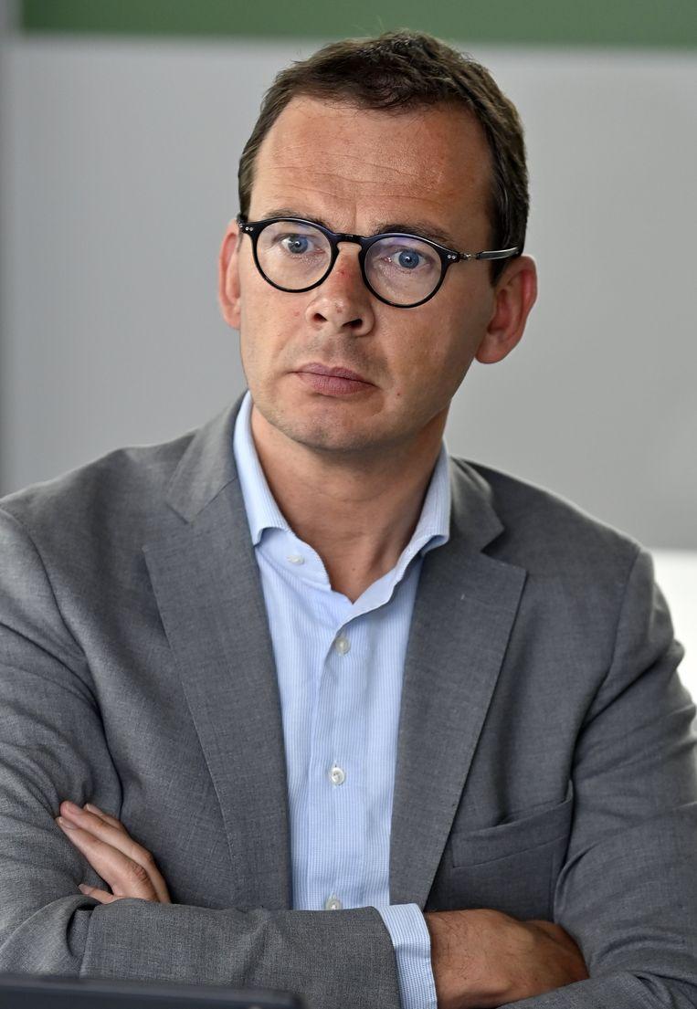 Vlaams minister van Welzijn, Volksgezondheid, Gezin en Armoede Wouter Beke (CD&V)  is verantwoordelijk voor de Vlaamse woon-zorgcentra, waar Covid-19 een bijzonder zware tol heeft geëist. Beeld BELGA