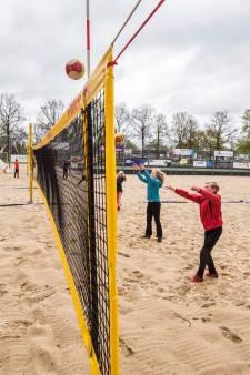 Kinderen genieten van sportdag in Borne en dansen in partytent