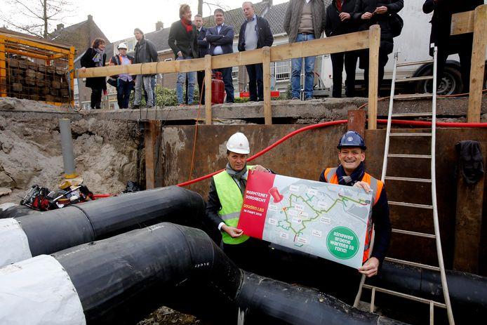 Een buizenstelsel zoals hier in Dordrecht moet van de Rotterdamse havens naar Den Haag worden aangelegd.