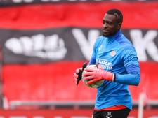 Yvon Mvogo wil zijn plek bij PSV volgend seizoen verdedigen: 'Roger Schmidt was een zegen voor mij'