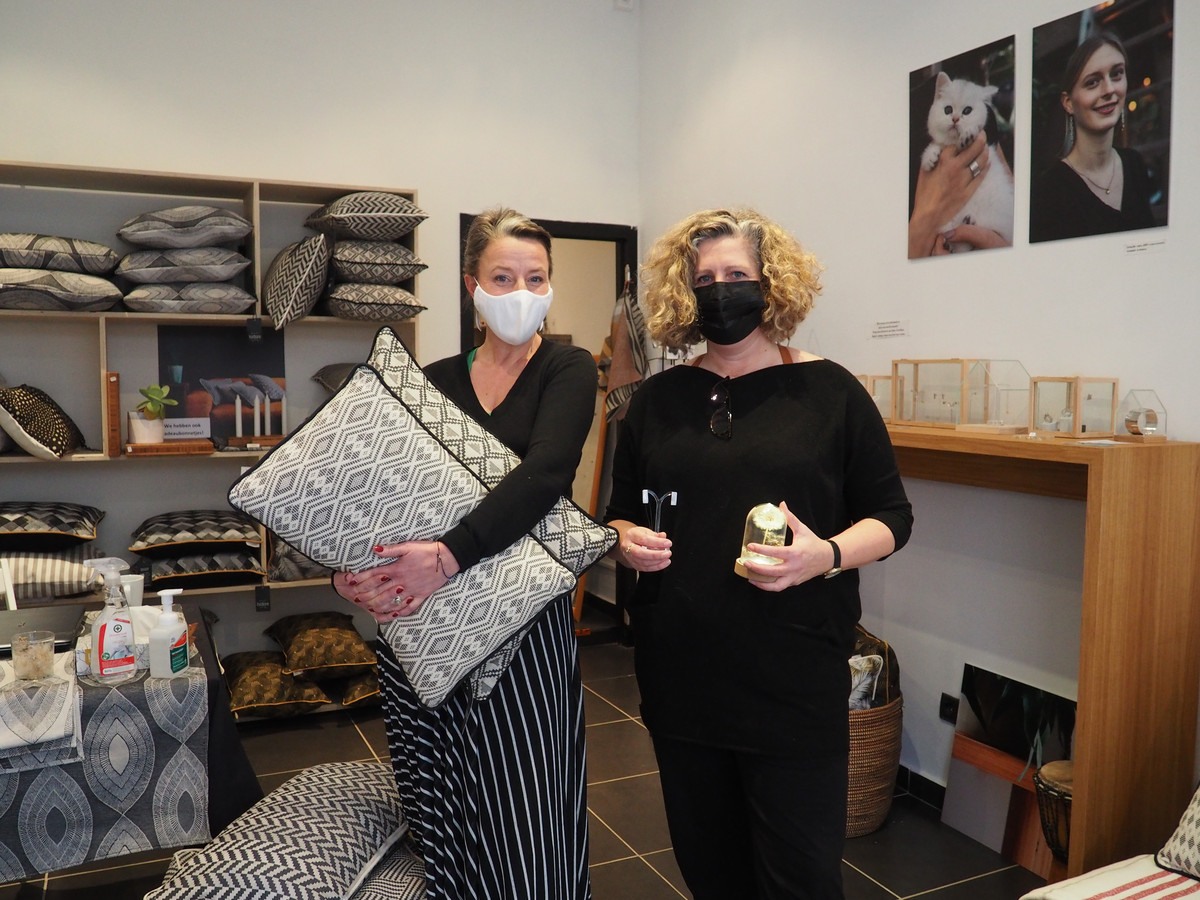 Kathleen van Hoof en Sofie Bal in hun pop-up