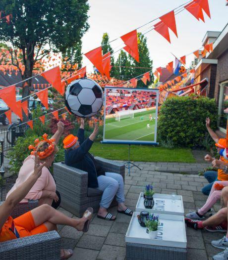 Geen grote schermen dit EK? Deze 'thuiskijkbunkers' in Twente hebben dé oplossing: 'Zo kan het wél'