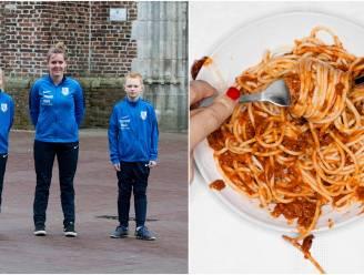 """Voetbalclub daagt Vosselaar uit: """"Koop 5.000 spaghetti's om club en lokale middenstand te steunen"""""""