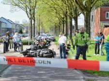 Motorrijder rijdt op fietspad jong kind aan in Tilburg