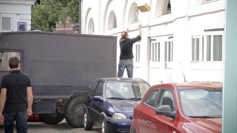 Op 24 juni 2010 viel de politie binnen in het Bisschoppelijk Paleis in Mechelen. © photo news Beeld UNKNOWN