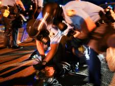 Politie zoekt brandstichters fastfoodrestaurant waar zwarte arrestant stierf