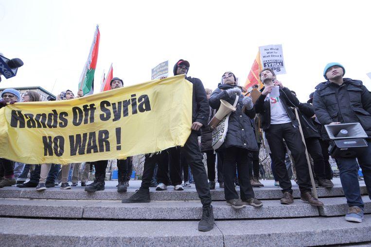 In de VS is er veel protest gekomen op de reactie van Trump op de gifgasaanval in Syrië. Beeld Photo News