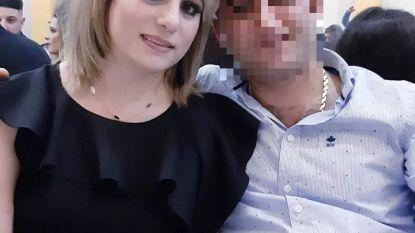 39-jarige man verwikkeld in echtscheiding staat ex-vrouw op te wachten op haar werk en dient meerdere messteken toe: Slachtoffer vecht voor leven