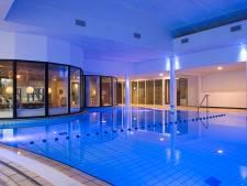 Zwembadmonteur ademt chloor in bij Van der Valk Hotel Tiel