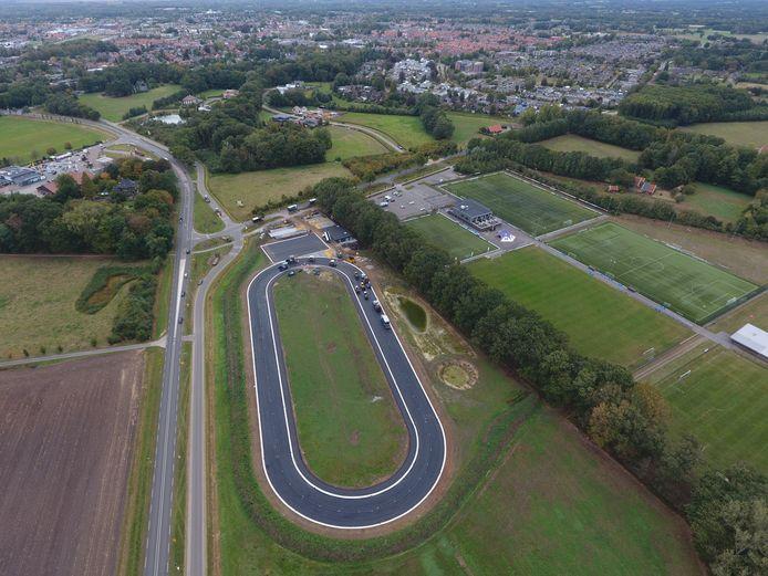 Nieuwe ijsbaan annex skeelerbaan Winterswijk van de WIJV aan de Kottenseweg/Bataafseweg.