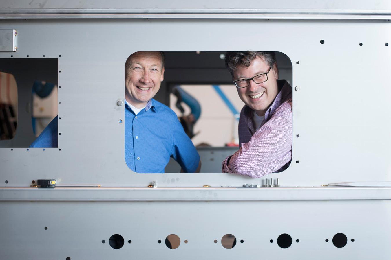 NIJVERDAL - Directeur Marcel Prinsen en Bert Welink van metaalbedrijf Metal Machinebouwers