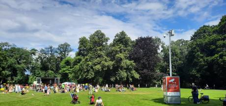 Manifestatie in park Eindhoven gemoedelijk: 'Wij pleiten hier voor de natuur in uzelf'