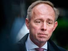 Minister moet opheldering geven over seances: 'Geestopwekking bij graven moet strafbaar worden'