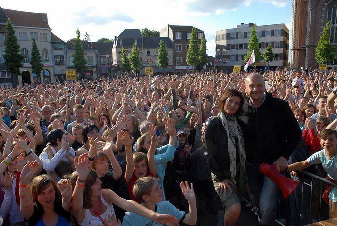 Archiefbeeld: Tijdens de volksvergadering woensdagavond zakten ruim 2500 mensen af naar de markt in Wetteren.