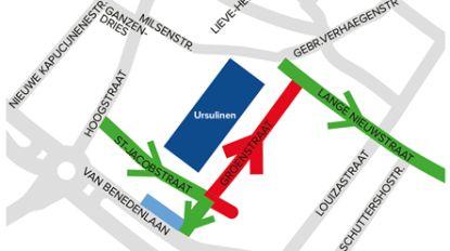 Stad test schoolstraat aan poort basisschool Ursulinen