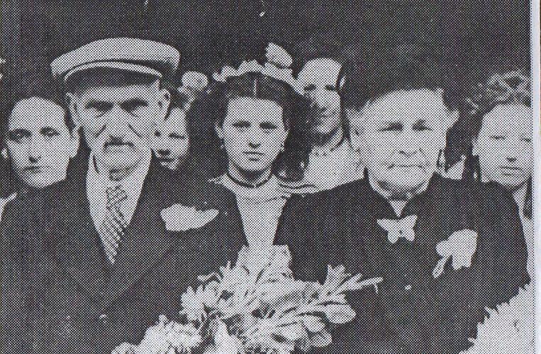 Stamvader Henri 'De Grove' Van Calster en Leonie Cuypers tijdens hun jubileum in de jaren veertig.