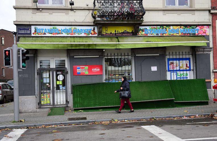 Gesloten winkels in de straten van Molenbeek Beeld AFP