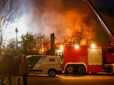 Brand verwoest woning aan Dordtse Kilweg: drie bewoners zijn in veiligheid