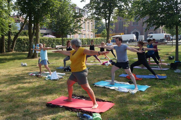 Yoga in het Brigidapark in Oostnieuwkerke