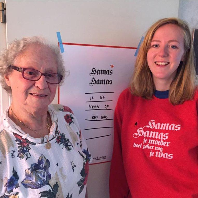 Miep Smith-Wessel en kleindochter Anouk Smith. Beeld