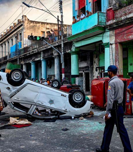 Duizenden Cubanen de straat op: 'We hebben geen eten, we hebben niks'