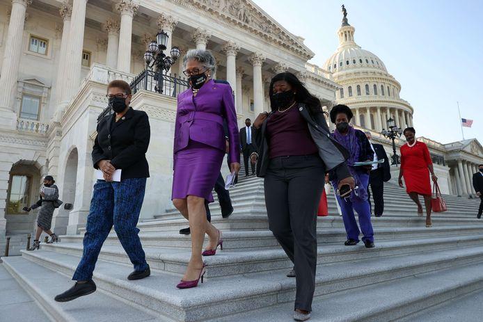 Leden van de Congressional Black Caucus, vlnr Karen Bass (D-CA), Joyce Beatty (D-OH), Cori Bush (D-MO) en Shelia Jackson Lee (D-TX).