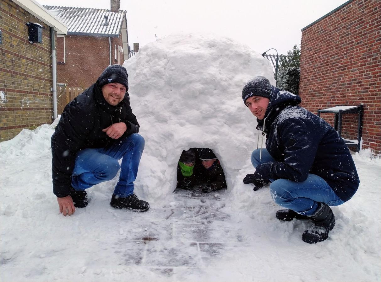 In Duiven is een iglo gemaakt.