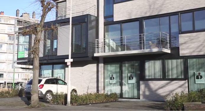 """""""Bureau voor rechtshulp"""", later omgedoopt tot """"De Jurist - De wetswinkel""""  op de Bredabaan in Merksem lokte klanten voor sjoemeladvocaat Marc G."""