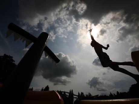 Jongen (14) mishandeld na ruzie op glijbaan in zwembad in Terborg
