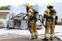 Auto brandt volledig uit in Boekel