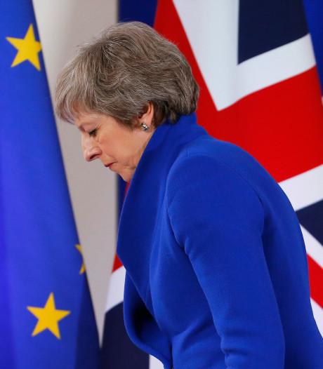 Theresa May stelt stemming over brexit uit: morgen werkontbijt met Rutte