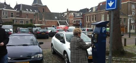 Driehonderd inwoners Kamper binnenstad verliezen recht op parkeerplek