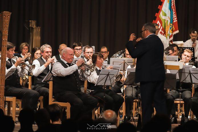"""""""Tony speelde de eerste stem met zijn bugel, en zat dus traditioneel ook altijd op de eerste stoel van ons orkest."""""""